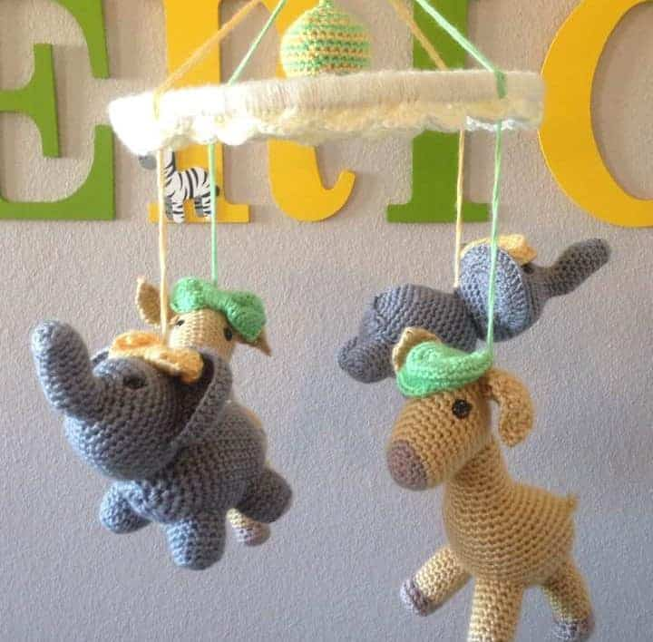 elephant and giraffe mobile, free amigurumi patterns | Hooked by Kati