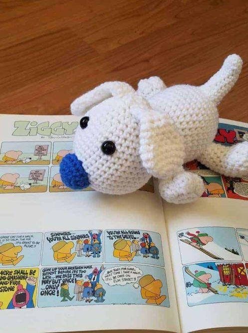 Free Crochet Pattern, Amigurumi, Fuzz the Dog | Hooked by Kati