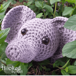 elephant amigurumi free crochet pattern | Hooked by Kati