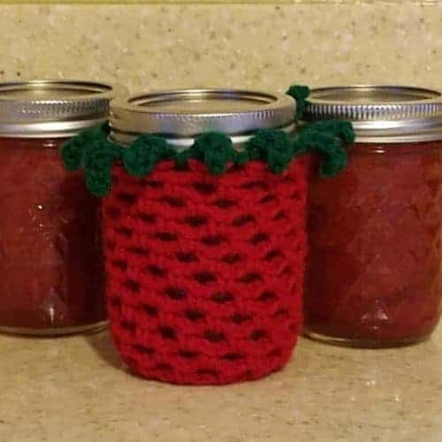 crochet strawberry jam jar covers and recipe