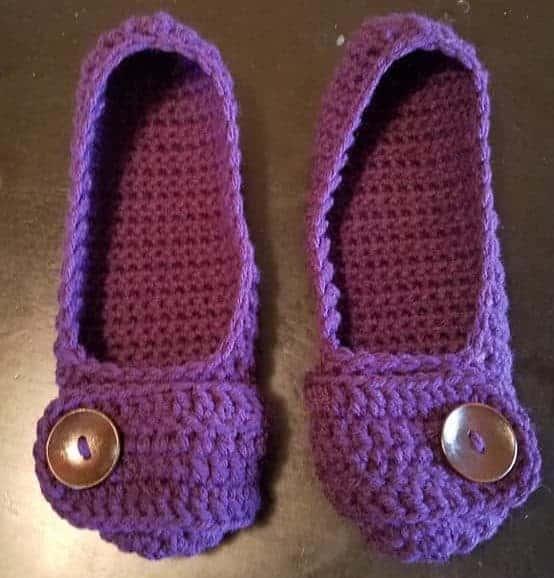 button flap ballet flats free crochet pattern