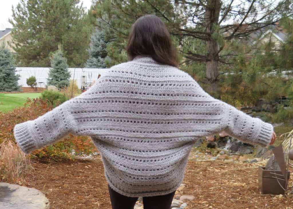 first snow cardigan | free crochet pattern | hooked by kati