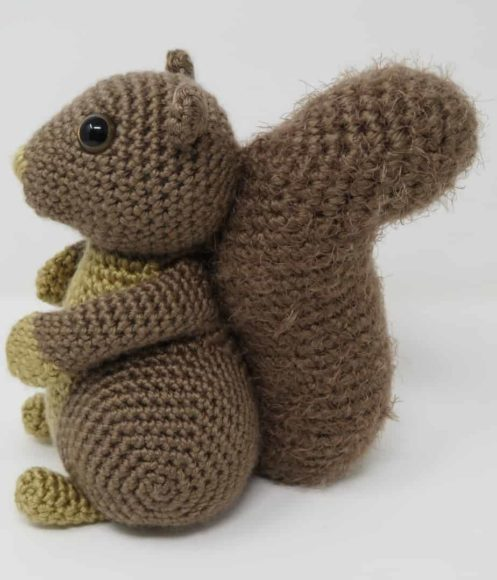 Hygge Squirrel, a free crochet pattern on Underground Crafter by Hooked by Kati.
