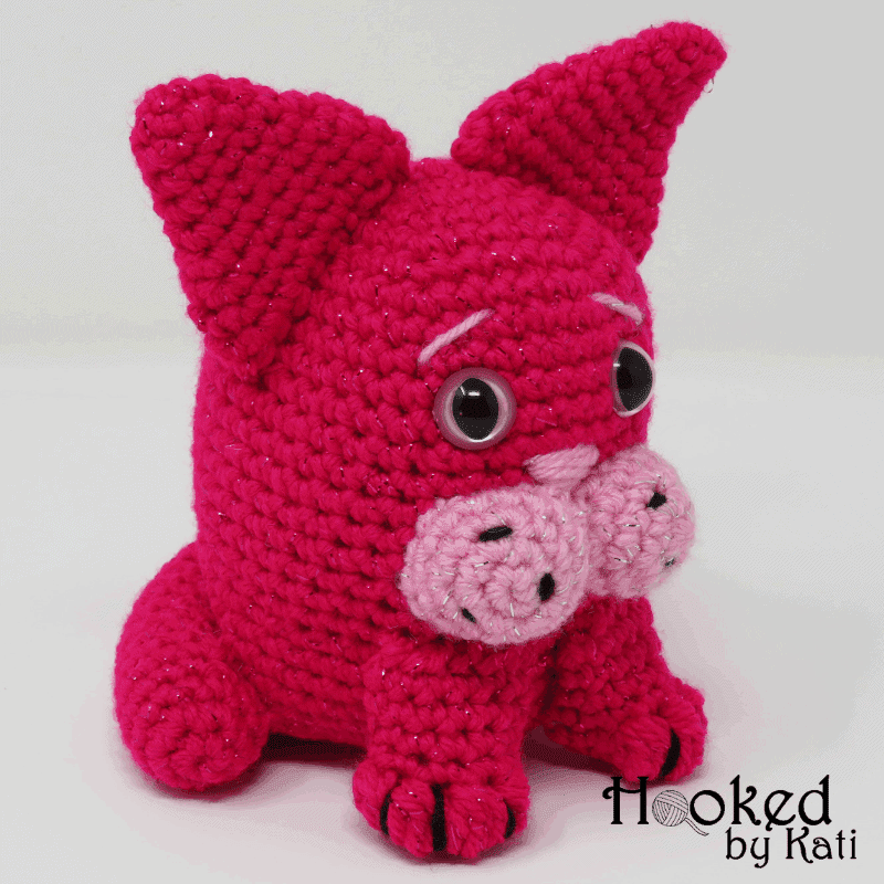 Blob Cat free crochet pattern video tutorial, with color changes for a calico kitty! Great pattern for an amigurumi beginner!