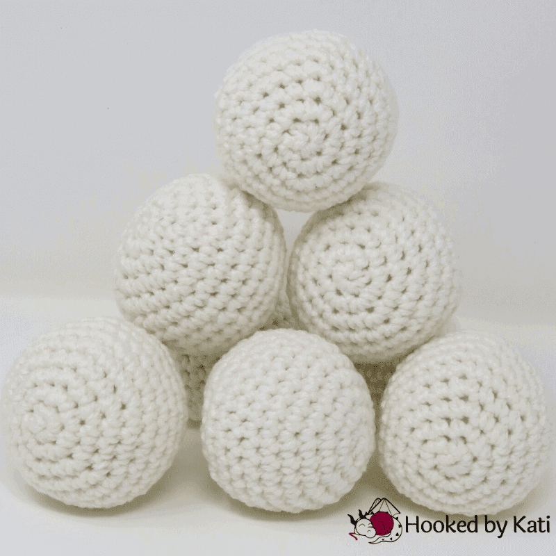Free crochet pattern | Indoor Snowballs | Beginner | Underground Crafter Christmas in July CAL